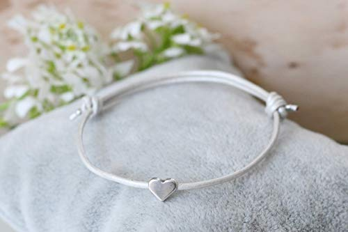 Lederarmband Herz silber farben, Leder 1mm ivory weiß perlmutt, filigran, Geschenk, Freundschaftsarmband, Braut Armband, Freundin, Trauzeugin