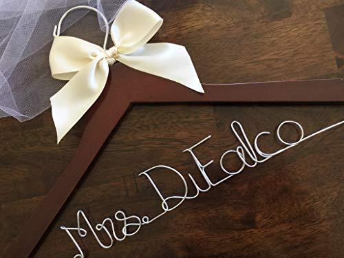 Qui556 Kleiderbügel für Brautjungferkleid, Hochzeitsaufhänger, Brautkleiderbügel, Draht, personalisierbar, Hochzeitsaufhänger Mrs Kleiderbügel