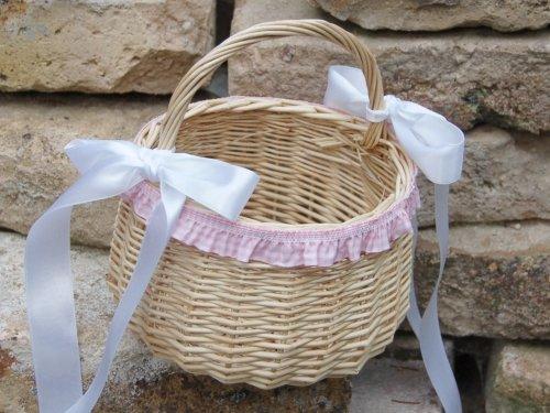 Hochzeitsservice Marriage Day Blumenkinderkörbchen natur, mit Rüschen und Satin, rosa, Blumenkinderkorb Streukörbchen zur Hochzeit