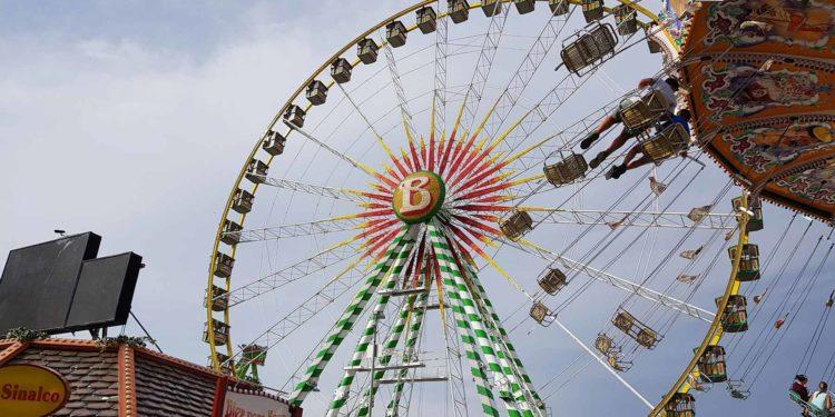 Heiratsantrag im Riesenrad auf der Cranger Kirmes