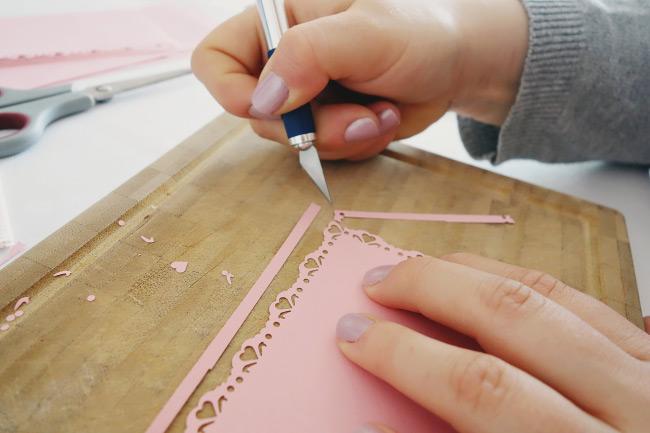 Schritt für Schritt Anleitung für DIY-Freudentränen-Taschentücher Bild 7