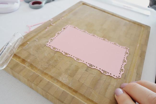 Schritt für Schritt Anleitung für DIY-Freudentränen-Taschentücher Bild 8