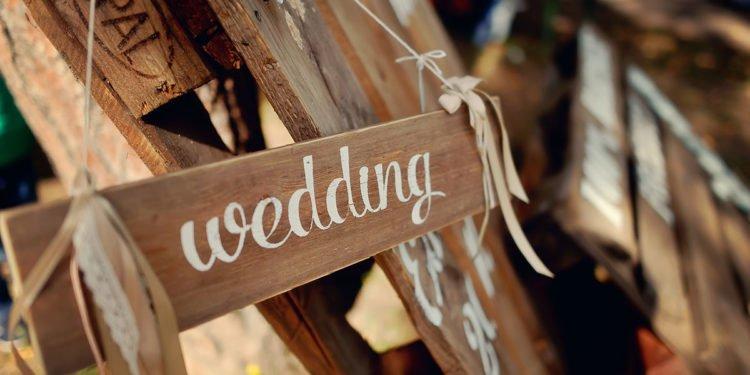 Wie fange ich die Planung der Hochzeit an?