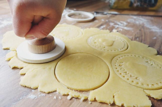 Personalisierte Kekse als Gastgeschenk für die Hochzeit Bild 2