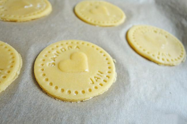Personalisierte Kekse als Gastgeschenk für die Hochzeit Bild 3