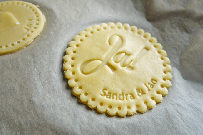 Personalisierte Kekse als Gastgeschenk für die Hochzeit - mit Fondant Ausstecher