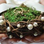30 Alternativen zum klassischen Ringkissen bei der Hochzeit