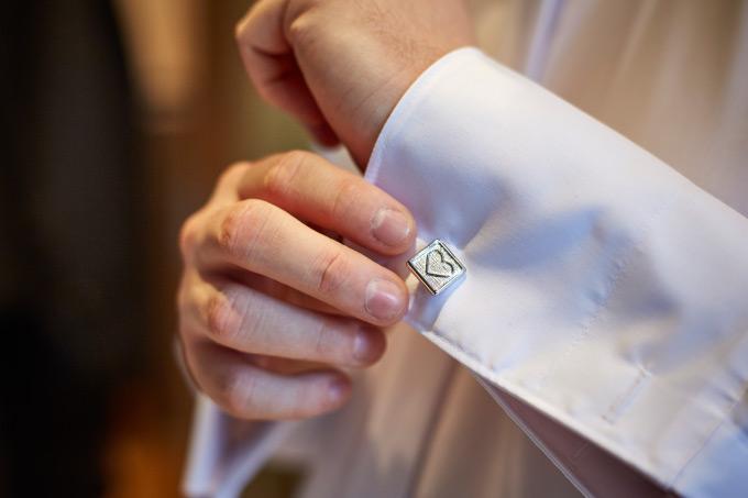 Getting Ready vom Bräutigam bei der eigenen Hochzeit Bild 3