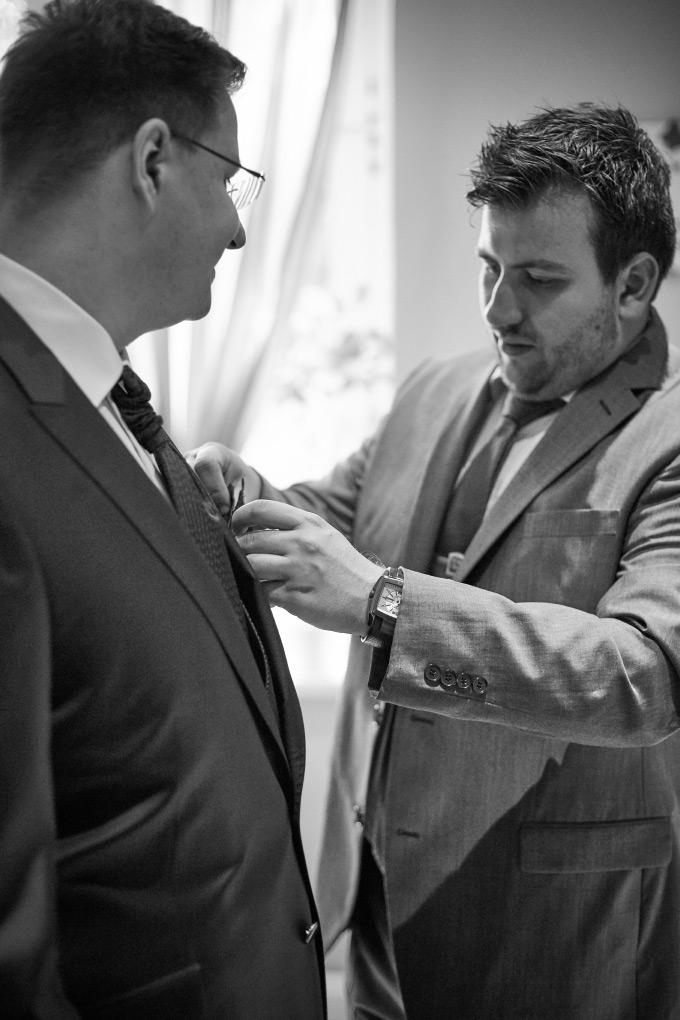 Getting Ready vom Bräutigam bei der eigenen Hochzeit Bild 6
