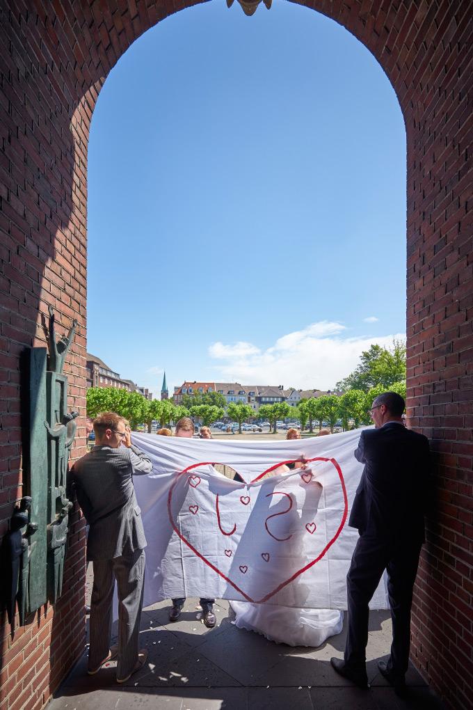 Nach der Trauung vor dem Rathaus Herne Bild 4