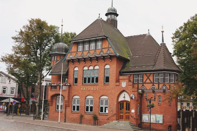 Rathaus in Burg auf Fehmarn Bild 1