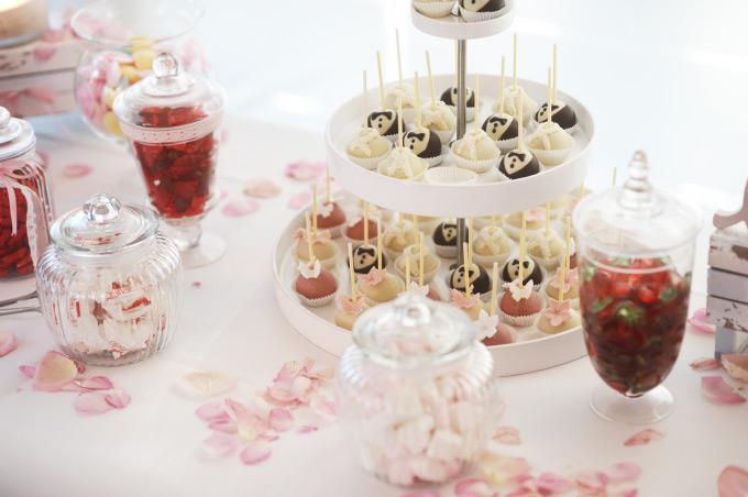 Candybar /Sweet Table auf unserer Hochzeit Bild 1