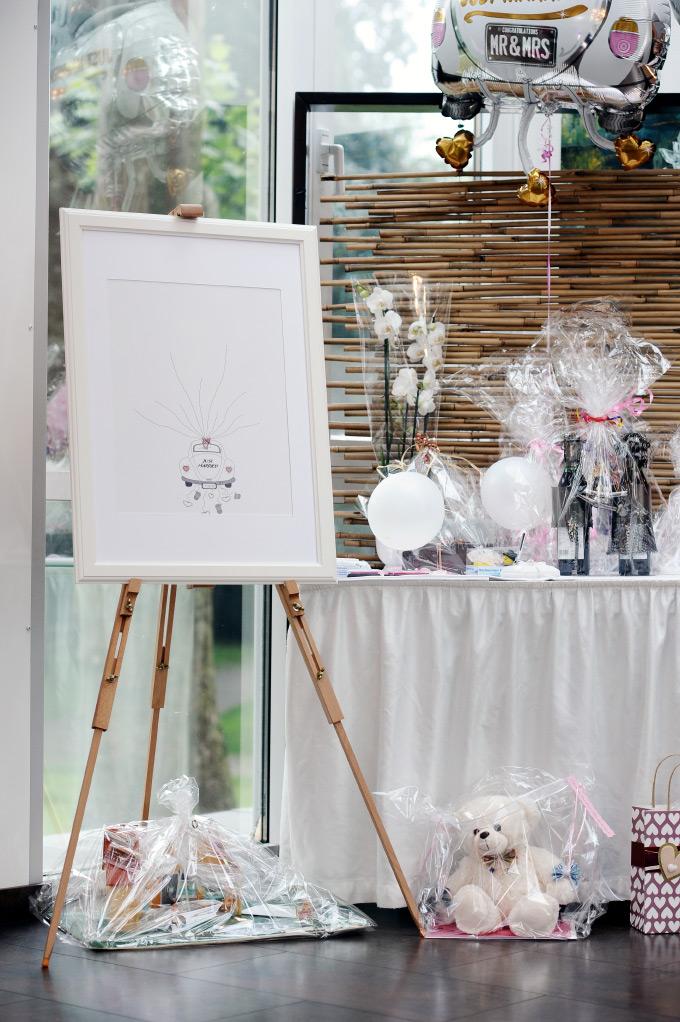 Geschenketisch und Weddingtree bei unserer Hochzeit
