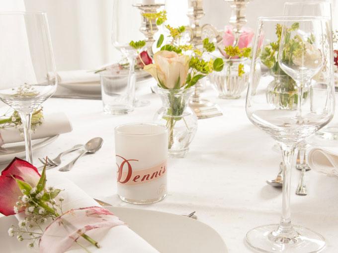 Personalisierte Tischdekoration für die Hochzeit Windlicht