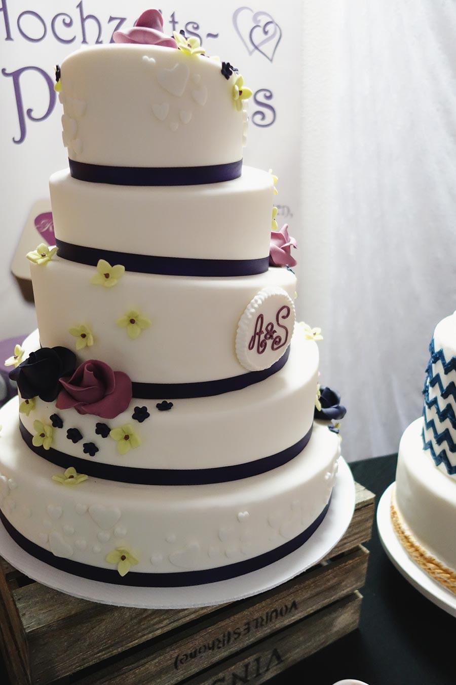 Die Hochzeitsmesse Hochzeitstage in Dortmund - Hochzeitstorte von Pralinen meiner Stadt