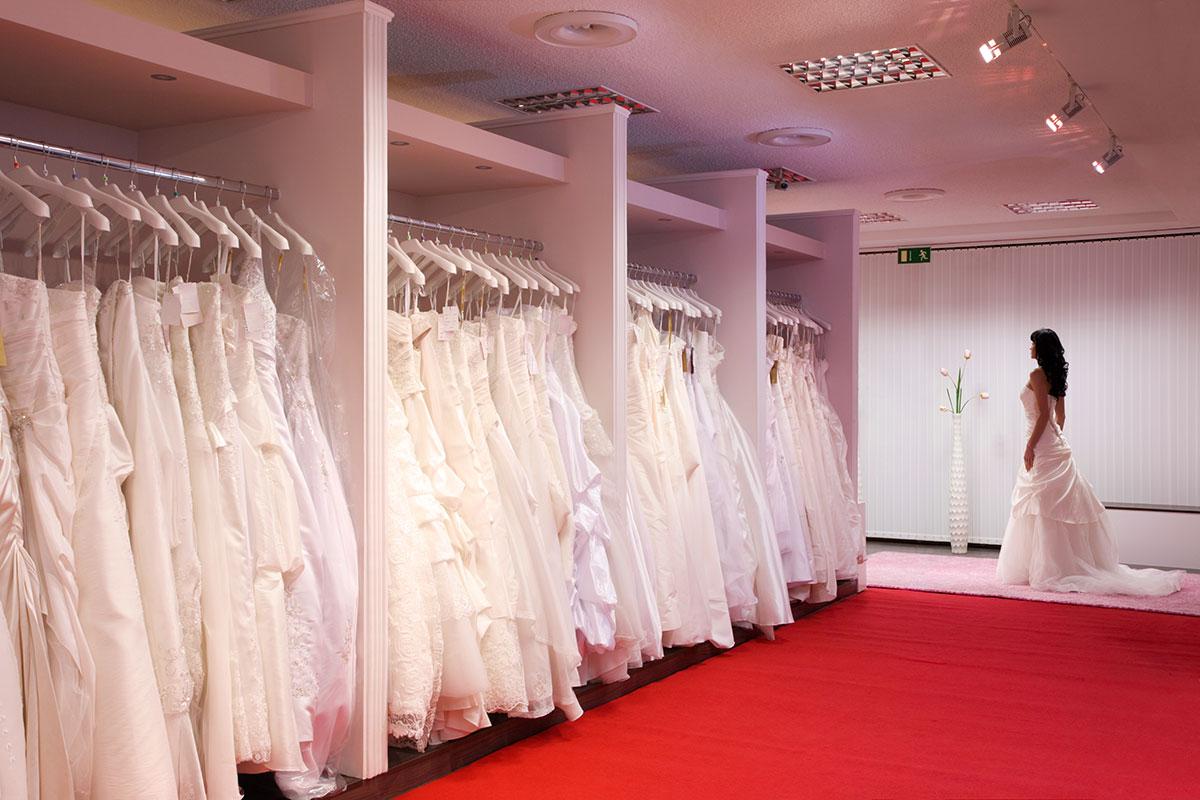Fotos bei der brautkleid anprobe machen erlaubt oder nicht for Wedding salon