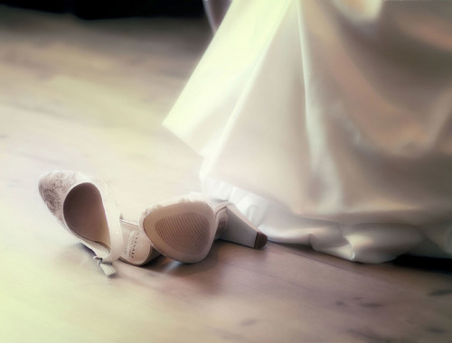Flache Brautschuhe in Ivory bei Amazon