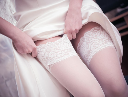 Unterwäsche für die Braut am Tag der Hochzeit bei Amazon