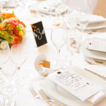 Eine Hochzeit in Orange im Schloss Dürrenmungenau