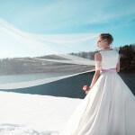 Ein bauchfreies Brautkleid von Tian van Tastique