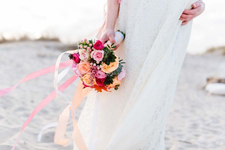 Babybauch-Hochzeit-Brautkleid-Nordsee-Sandra-Huetzen-29