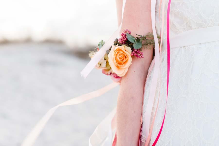 Babybauch-Hochzeit-Brautkleid-Nordsee-Sandra-Huetzen-30