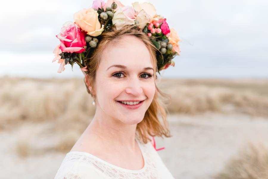 Babybauch-Hochzeit-Brautkleid-Nordsee-Sandra-Huetzen-59