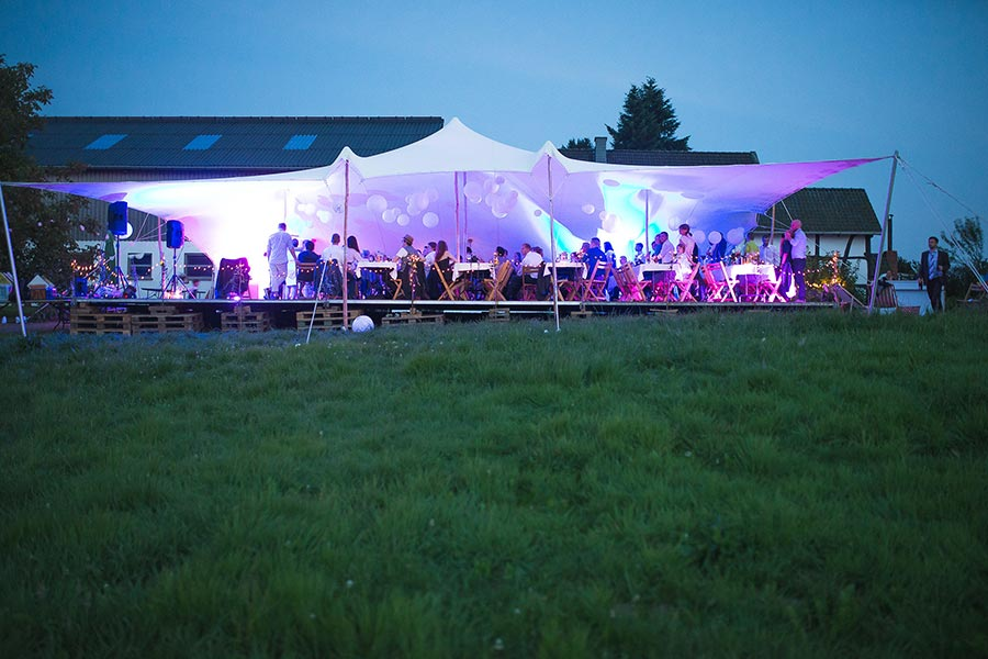 Die-Gartenhochzeit-von-Barbara-und-Alex-mit-Hochzeitsfotograf-Vivid-Symphony-49
