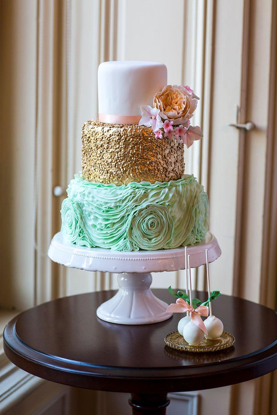 Mehrfarbige Hochzeitstorte