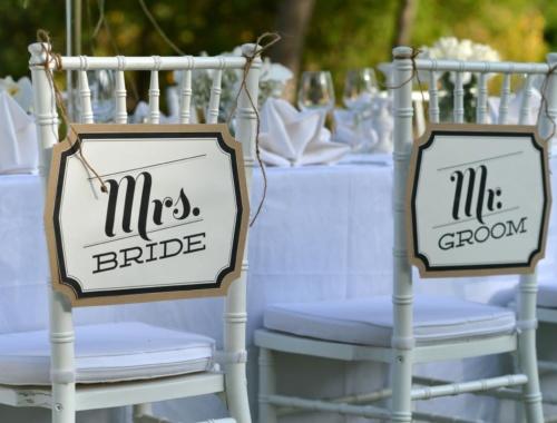 Die Hochzeitsdeko passend zur Einladung gestalten