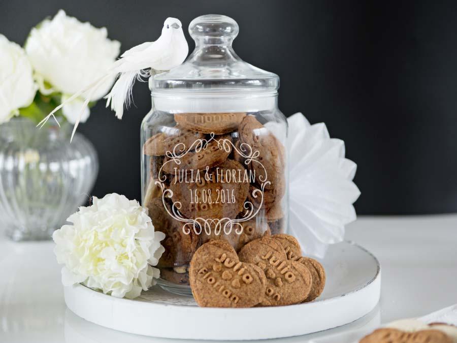 Personalisiertes Keksglas zur Hochzeit für die Candybar von Personello