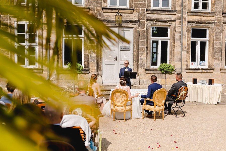 trauung-von-lisa-sebastian-im-barocken-garten-in-blankenburg-ben-kruse-20