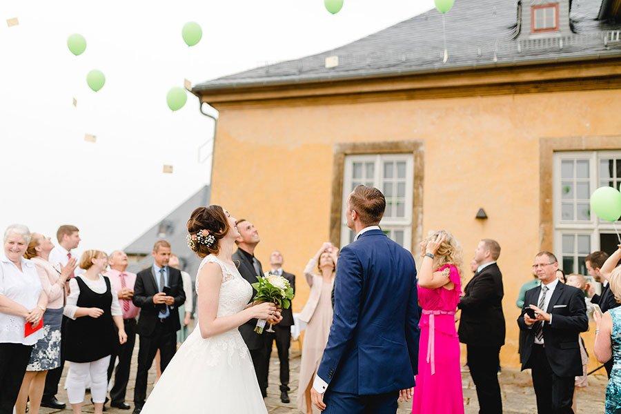 trauung-von-lisa-sebastian-im-barocken-garten-in-blankenburg-ben-kruse-51