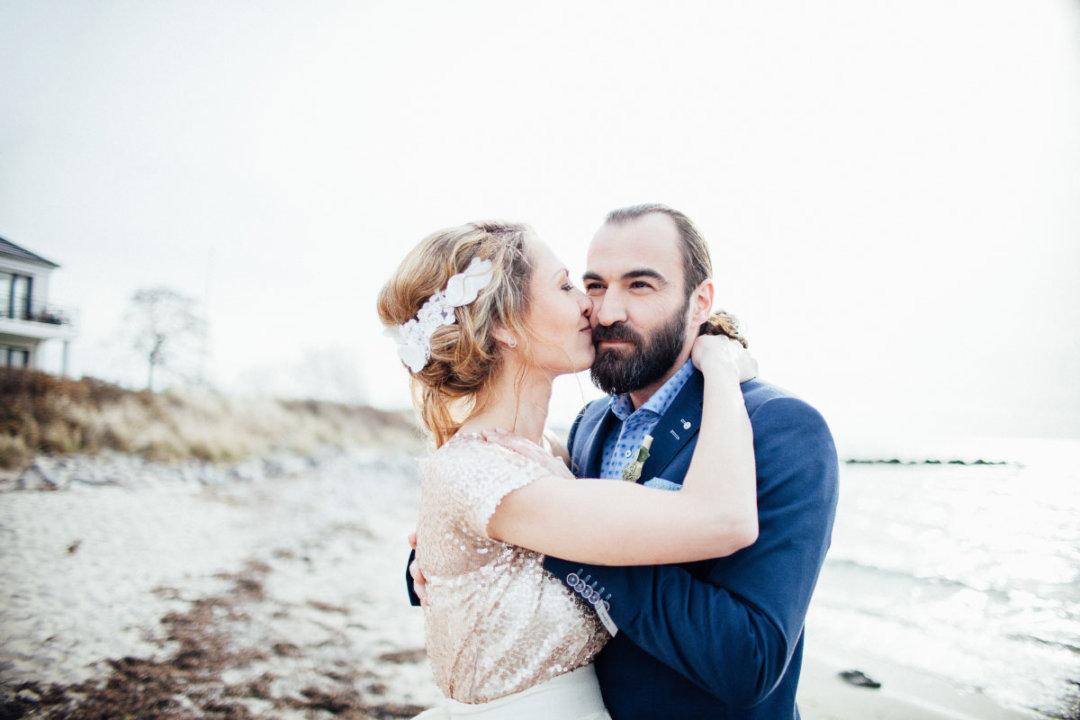Ein Paarshooting am Strand von Fehmarn