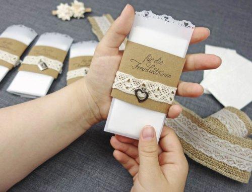 Freudentränen-Taschentücher zur Hochzeit im Vintage-Look basteln