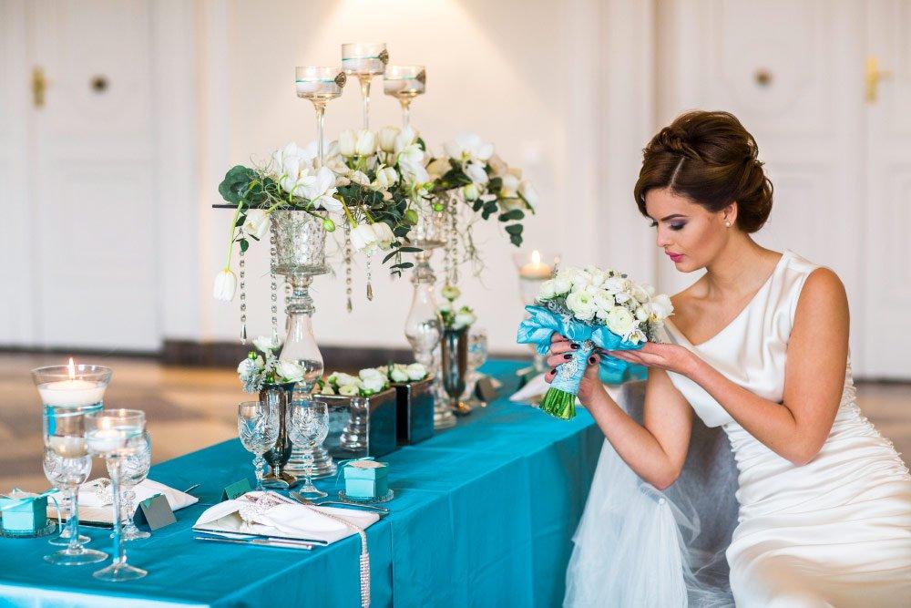 Ein Styled Shooting zum Hochzeitskonzept in Tiffany Grün und Creme - Die Hochzeitstafel