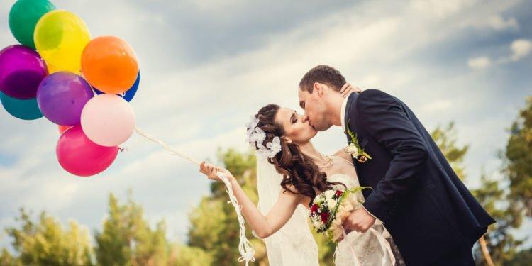 Ballons für die Hochzeit: zur Dekoration, zum Steigen lassen und für Fotos