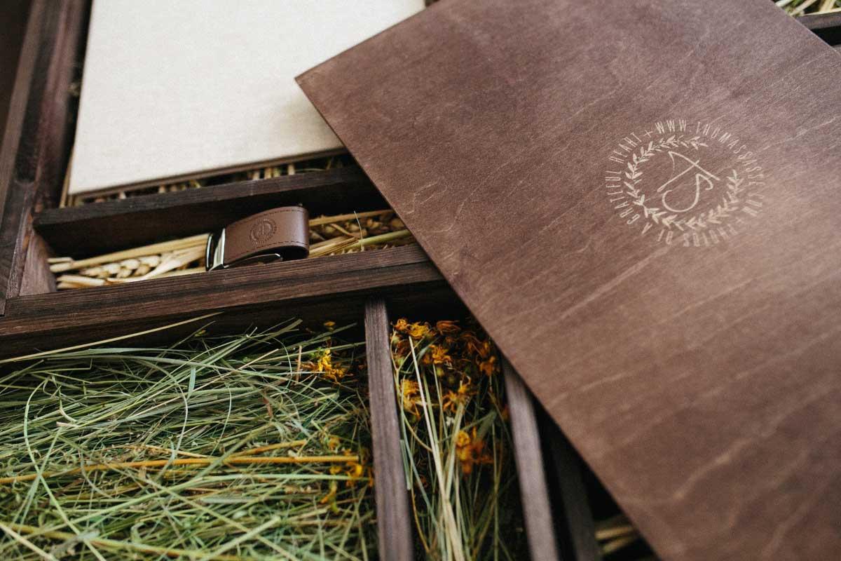 Die Fotobox von Thomas Sasse Hochzeitsfotografie mit USB-Stick und hochwertigen Fotobuch
