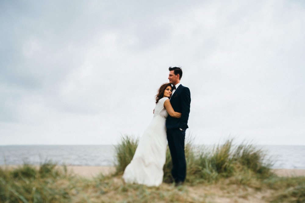 Maria und Ronny haben nur zu zweit geheiratet - einfach durchbrennen und am Strand heiraten