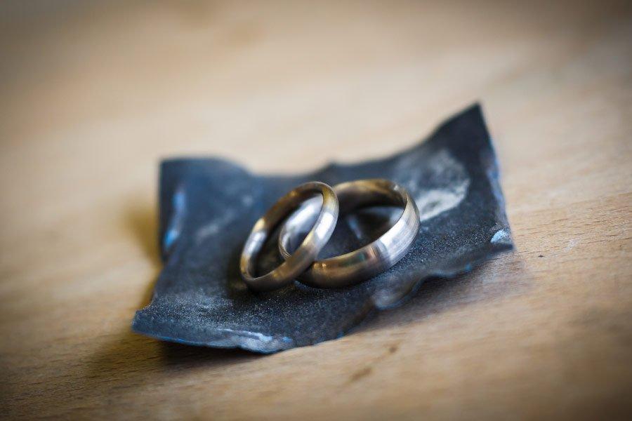 Ringe für die Hochzeit selber schmieden - Zwischenstand bei den selbstgeschmiedeten Trauringen