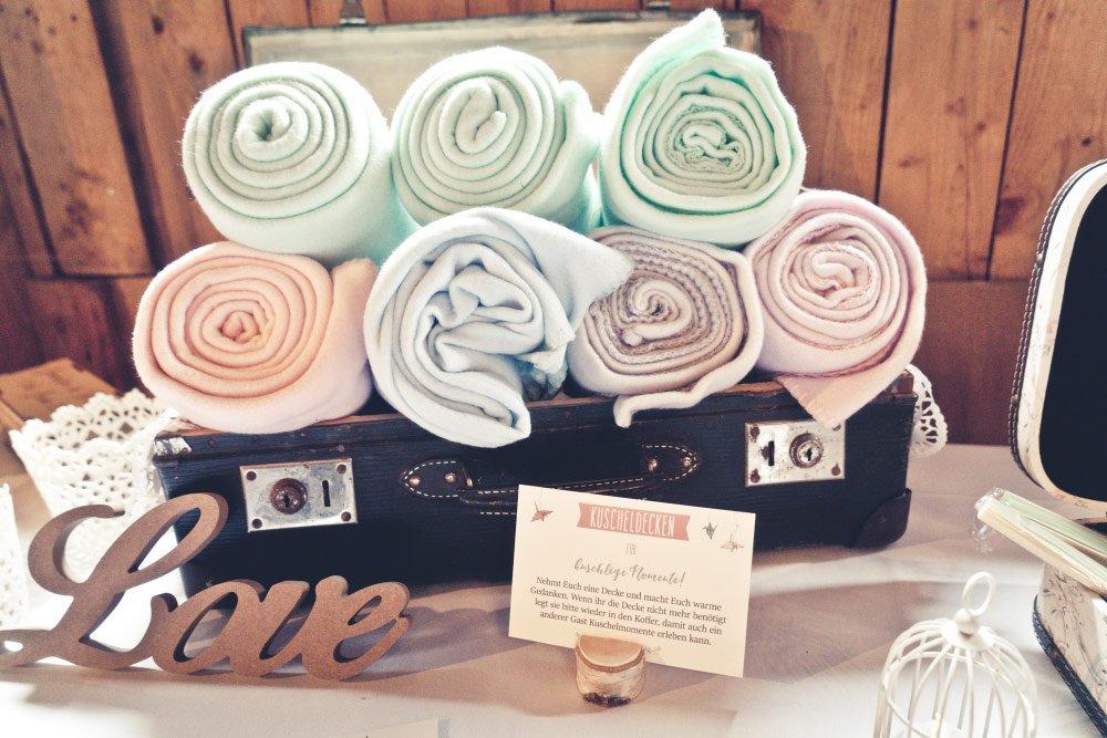 Decken bei der Hochzeit – Vintage in Pastelltönen: Die Hochzeit von Jennifer & Philipp