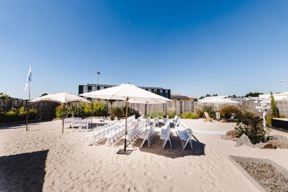 Eine-Hochzeit-mit-Beach-Flair-und-BBQ-Grillbuffet-1
