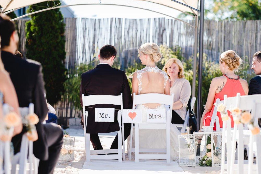 Eine-Hochzeit-mit-Beach-Flair-und-BBQ-Grillbuffet-12