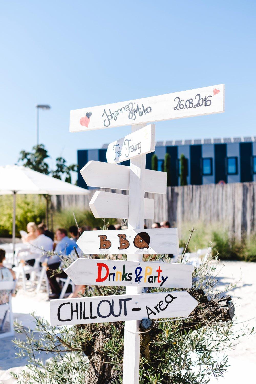 Eine-Hochzeit-mit-Beach-Flair-und-BBQ-Grillbuffet-13