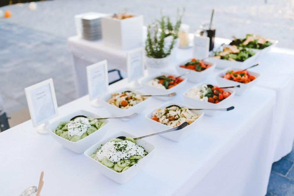 Eine-Hochzeit-mit-Beach-Flair-und-BBQ-Grillbuffet-19