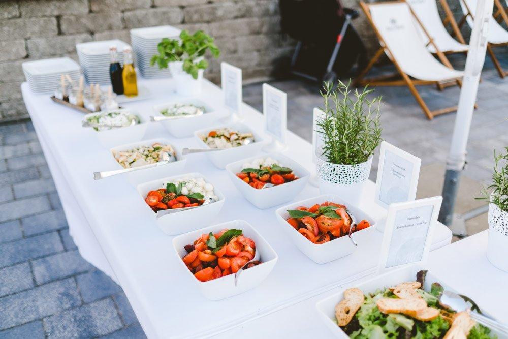 Eine-Hochzeit-mit-Beach-Flair-und-BBQ-Grillbuffet-20