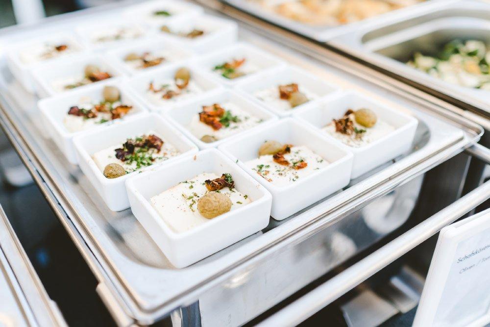 Eine-Hochzeit-mit-Beach-Flair-und-BBQ-Grillbuffet-21