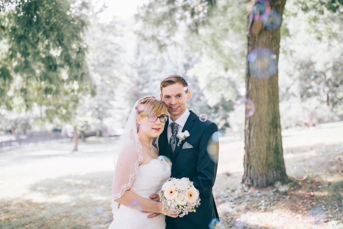 Die DIY Hochzeit von Nadja & David mit viel Spitze und Kraftpapier