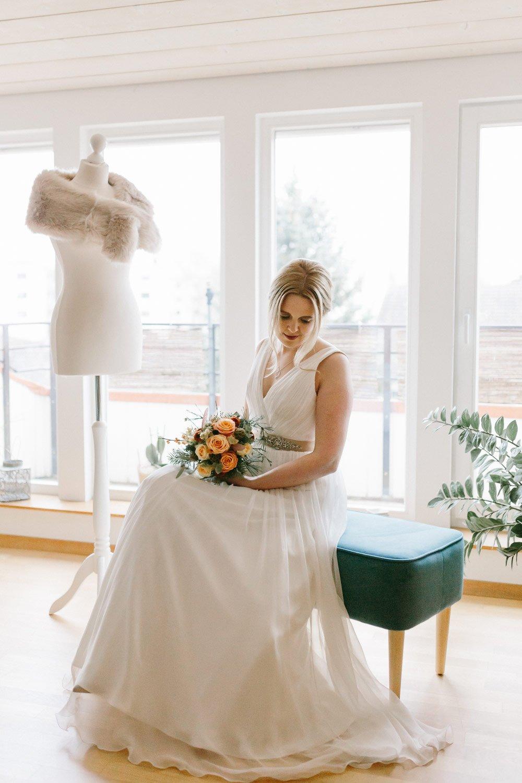 Die-Winter-Hochzeit-von-Johanna-und-Ronny-mit-Hochzeitsfotografin-Irene-Fiedler-15