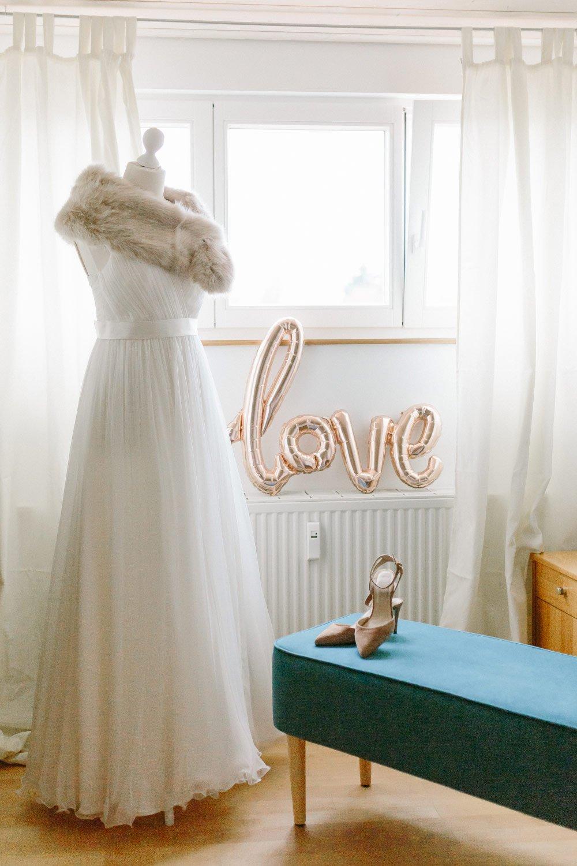 Die-Winter-Hochzeit-von-Johanna-und-Ronny-mit-Hochzeitsfotografin-Irene-Fiedler-2